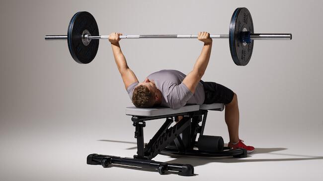 bench press vücut geliştirme hareketi